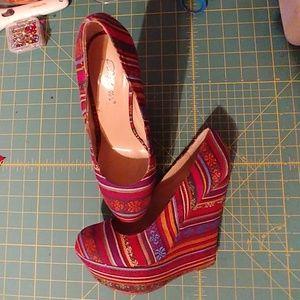 Printed wedge heels